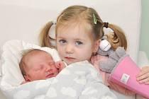 Antonie Novotná ze Strakonic. Tonička se narodila 24. 11. 2019 v 10.37 hodin a její porodní váha byla 3 970 gramů. Dvouletá Alenka měla z mladší sestřičky velkou radost.