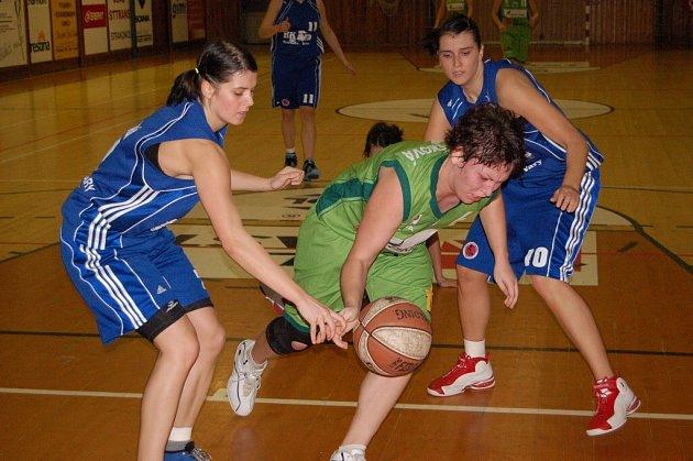 Prvoligové basketbalistky Strakonic začínají soutěž ve středu 31. října s Karlovými Vary.