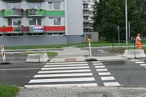 Podobný ostrůvek vznikne i na přechodu směrem do ulice Na Ohradě.