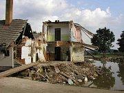 Povodně v roce 2002 ničily.