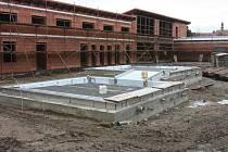 Stavba koupaliště v Blatné