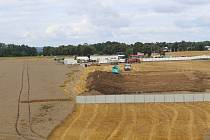 Výstavba nového marketu Kaufland.