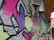 Kolem budovy DDM v ulici Na Ohradě ve Strakonicích bylo celou neděli rušno.
