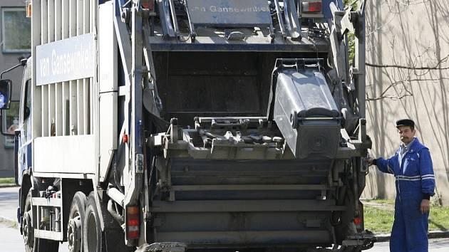 Svoz odpadů je v Třebíči posílen, popeláři jezdí dvakrát týdně