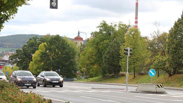 Dodatečně nasvícený byl i přechod na Katovické ulici ve Strakonicích. Je zde silný provoz a současně velký pohyb chodců.