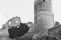 Zřícenina hradu Helfenburk u Bavorova.