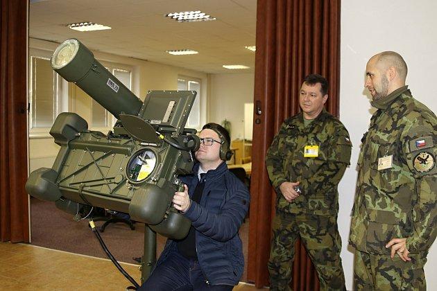 Strakonickým vojákům pomáhá Vojenský technický ústav.