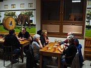 Pátek 16. listopadu byl v číčenickém Hotelu U Polívků ve znamení podzimních vepřových hodů.