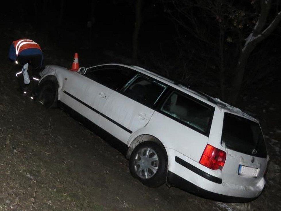 Opilý řidič na Strakonicku způsobil nehodu a pak ujížděl policistům.