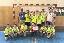 Mladší žáci HBC Strakonice přivezli z turnaje stříbrné medaile.