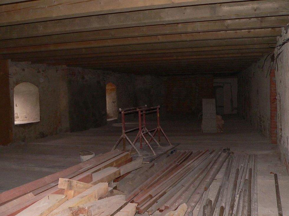 Stavba víceúčelových sálů.