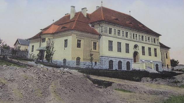 Výstava připomíná historii Volyně.