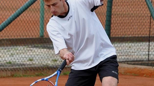 Pavel Švec vyhrál v Horažďovicích dvouhru a s Pavlem Procházkou i čtyřhru.