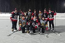 Strakoničtí vojáci na Mistrovství světa v rybníkovém hokeji.