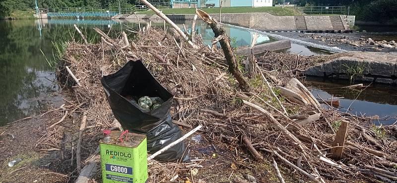 Sesbírané odpadky. Foto: Povodí Vltavy
