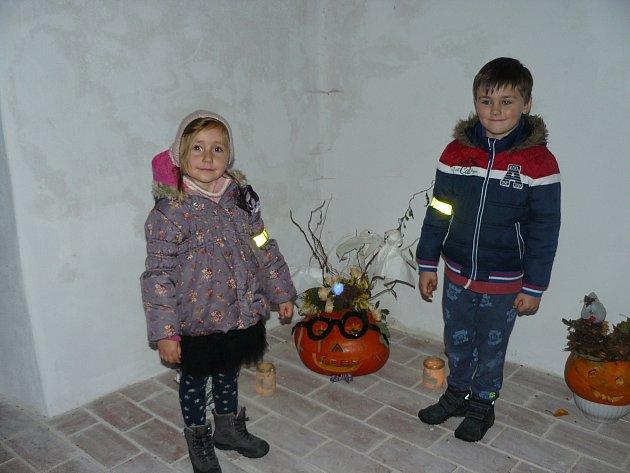 Výstava  s tématikou  duchů a dýní a lampionový průvod proběhl v Radomyšlí