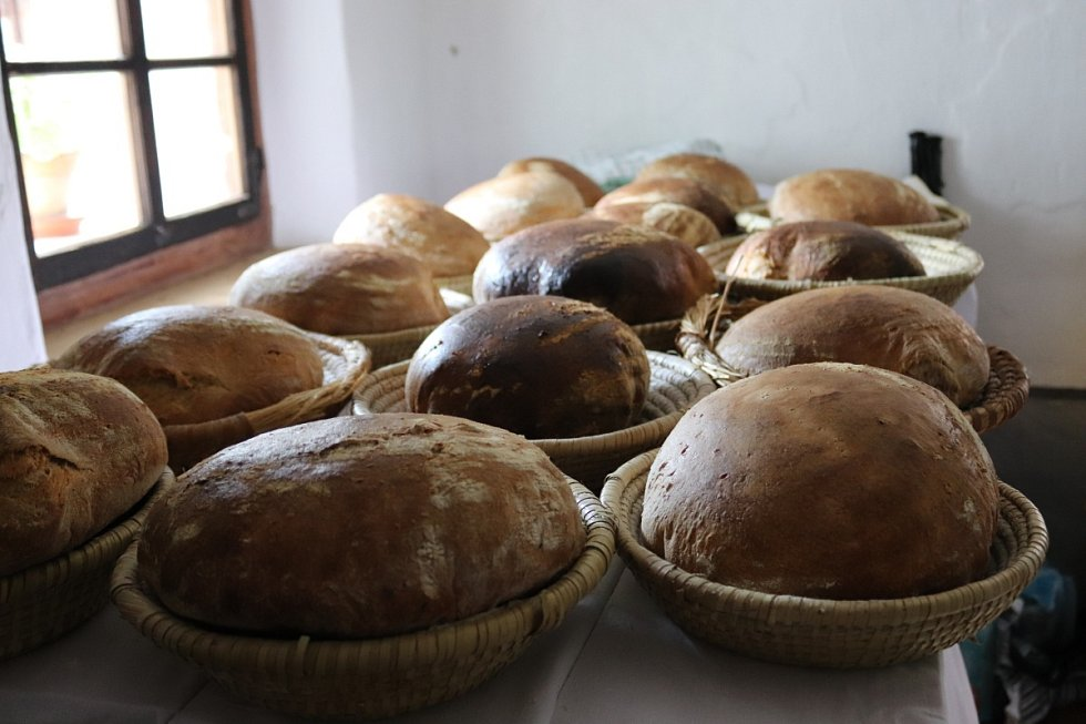 Pečení chleba.