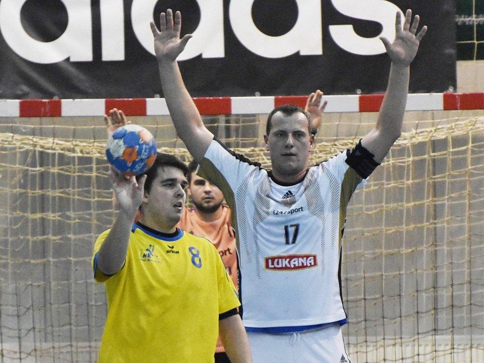 Strakoničtí zakončili podzim výhrou o deset gólů nad Dvorem Králové (31:21).