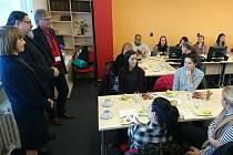 I letos studenti a studentky nelékařských zdravotnických oborů Univerzity De Paul, Chicago v USA přijeli prohlédnout úspěšné jihočeské krajské zdravotnické zařízení.