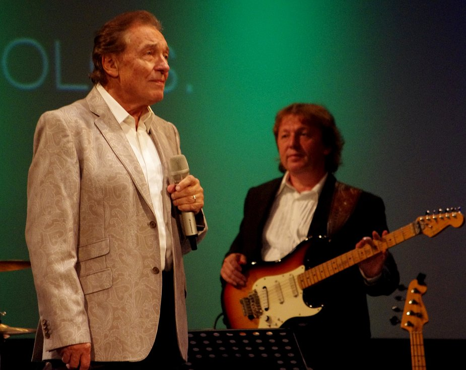 Kytarista Charlie Blažek spolupracoval s Karlem Gottem mnoho let.