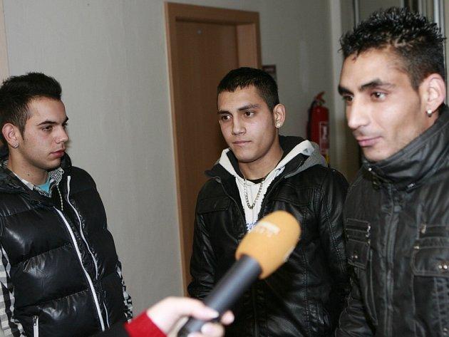 Ivan Demeter uprostřed s kamarády.