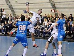 Martin Mošovský (při střelbě) dal Plzni tři góly, očekávání trenéra ale tentokrát nenaplnil. Foto: Jan Škrle