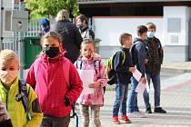 Děti z prvního stupně se mohly vrátit do lavic - ZŠ Dukelská a ZŠ Povážská Strakonice.