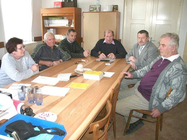 Volební komise v Hošticích
