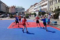 Strakonické baskeťačky vyrazily na Streetball cup do Písku.