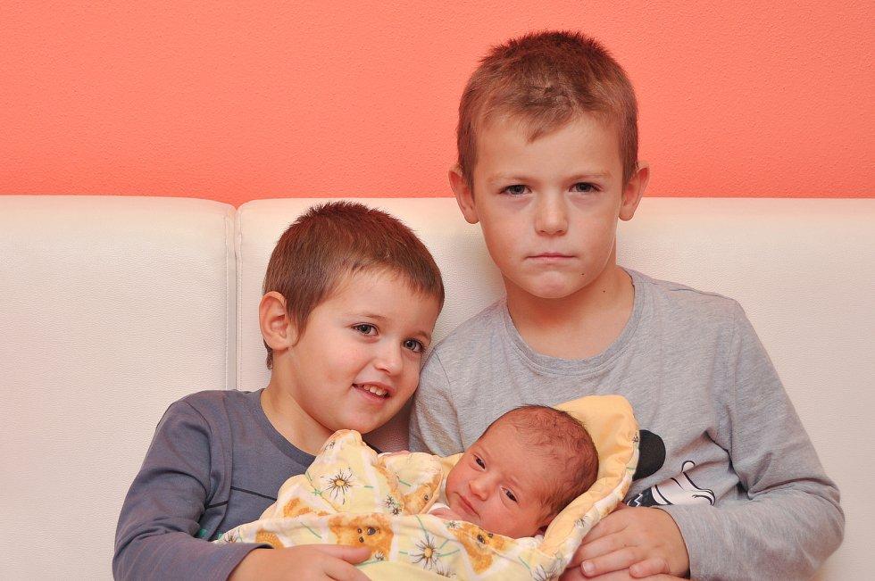 Leontýna Zoubková ze Strakonic. Leontýnka se narodila 3. 12. 2019 v 8.16 hodin a její porodní váha byla 3 050 gramů. Z narození sestřičky se doma radovali Martínek (6) a Vikoušek (3).
