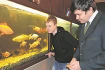 V rámci můžete v sobotu navštívit výstavu kaprů koi, prohlédnout si prostory střední rybářské školy a fakulty rybářství.