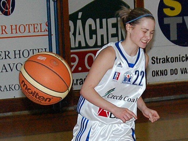 Basketbalistky Strakonic vyhrály v sobotu veledůležitý souboj s Hradcem Králové 67:59.