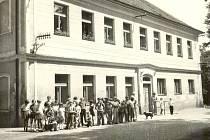 Škola v Jiníně.
