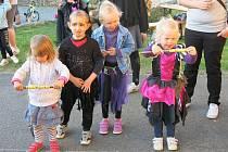 Pondělí 30. dubna a filipojakubskou noc si v Cehnicích užili nejen místní čarodějnice.