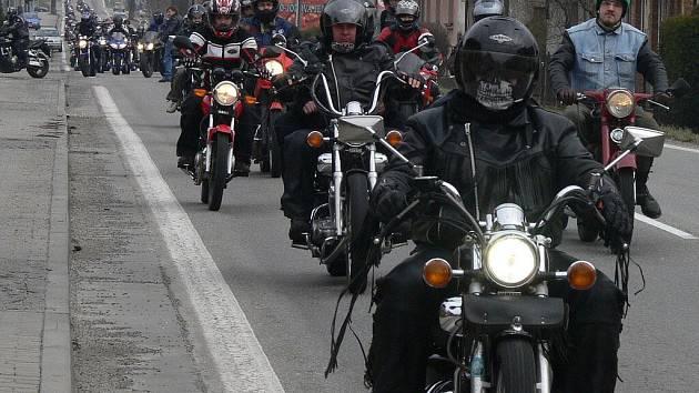 Zahájení motorkářské sezony v Novém Dražejově.