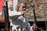 Rytíře, tanečnice, ohňovou show, zbrojnici. To vše mohou v sobotu 6. června vidět ti, kteří přijdou na hrad Helfenburk.