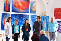 Vodňany – V neděli 28. dubna byla zahájena vernisáží výstava Barvy Srdce v Synagoze Vodňany. Akce trvá do 16. června.