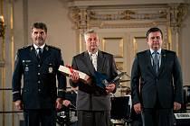 Policistou roku 2020 je Miroslav Předota ze Strakonic.