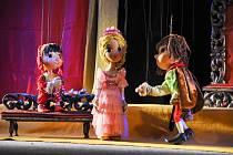 Loutková scéna Radost Strakonice uvedla v neděli 6. ledna v KZ U Mravenčí skály klasickou loutkovou pohádku pro děti s textem Josefa Křešničky Šípková Růženka.