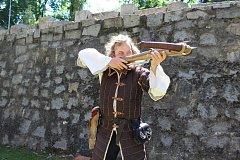 V hradním příkopu se soutěžilo o Bavorovickou střelu.