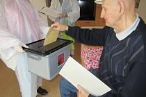 Volby ve strakonických domovech pro seniory.