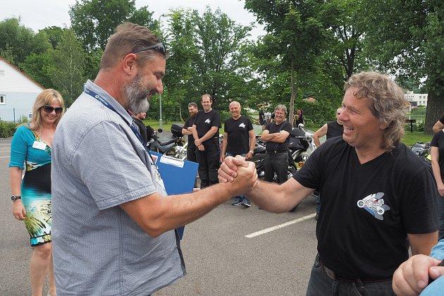 Čejetice jsou Jihočeskou vesnicí roku. Jedním zdobře fungujících spolků jsou motorkáři.
