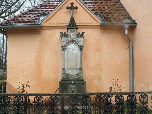 Hrob Václava Čeňka Bendla na volyňské Malsičce
