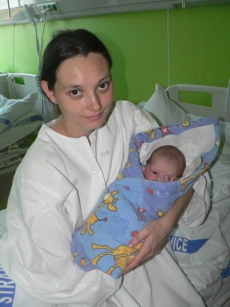 Vladislav Veselý, Radošovice, 3.4. 2012 v 0.59 hodin, 3340 g.  Na prvorozeného Vládíka je radost pohledět.