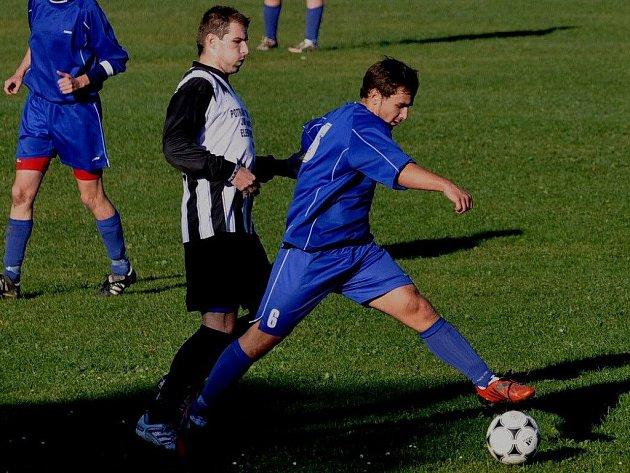 Volyně vyhrála v Dražejově 3:0. Jeden gól dal Tomáš Věneček (vlevo).