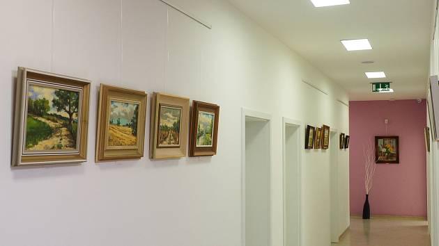V sobotu 11. května pokračovala výstava Jihočeské motivy Jaroslava Hankovce v minigalerii U zubaře.