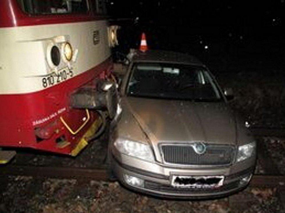 Nehoda na železničním přejezdu v Blatné.