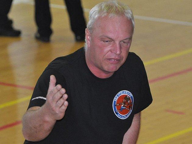 Trenér basketbalistů Milan Janda.