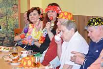 Letošní masopustní oslavy si tradičně užili klienti domova společně se zaměstnanci. Pro tento den si vytvořili i originální masky.