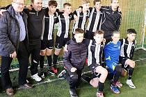 Žáci Slavoje Volyně vyhráli halový fotbalový turnaj v Oseku.